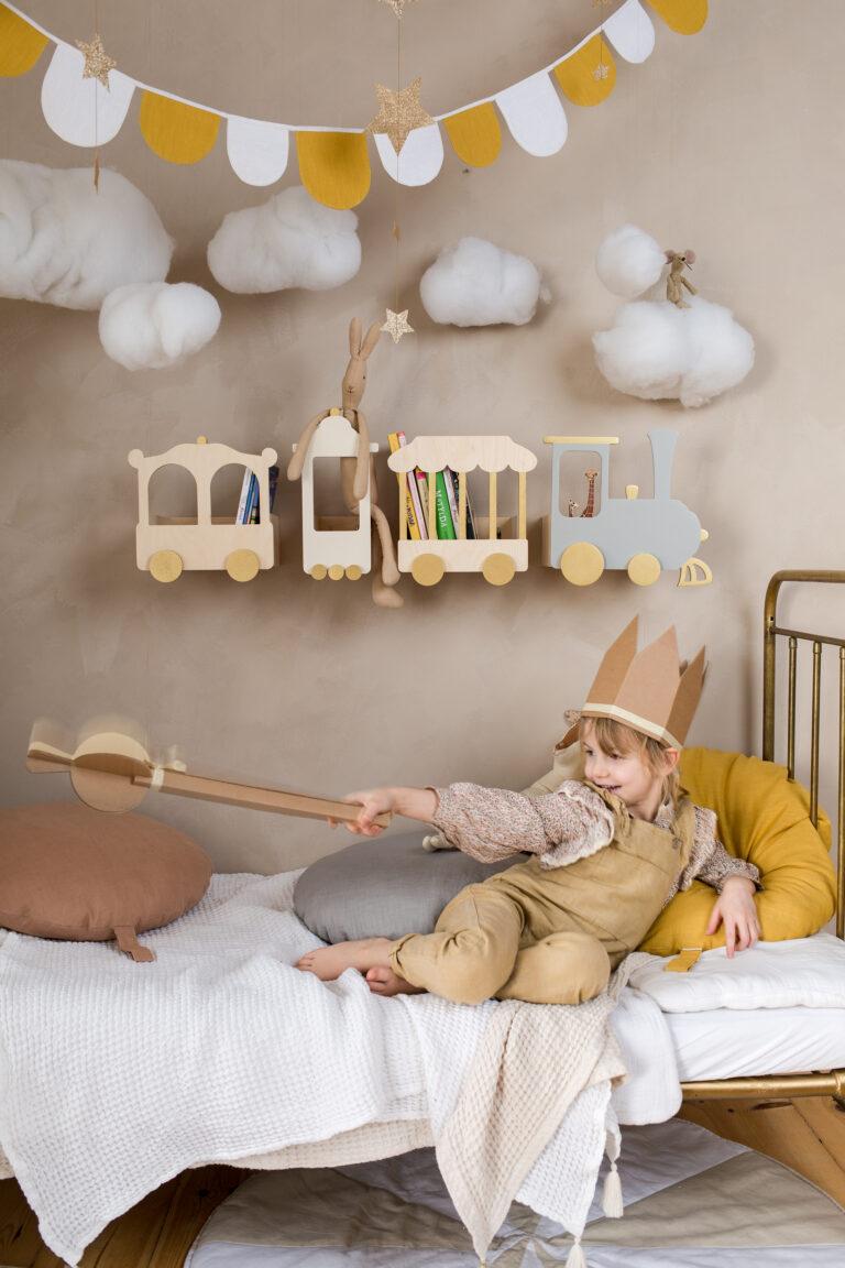 train shelf natural version nursery