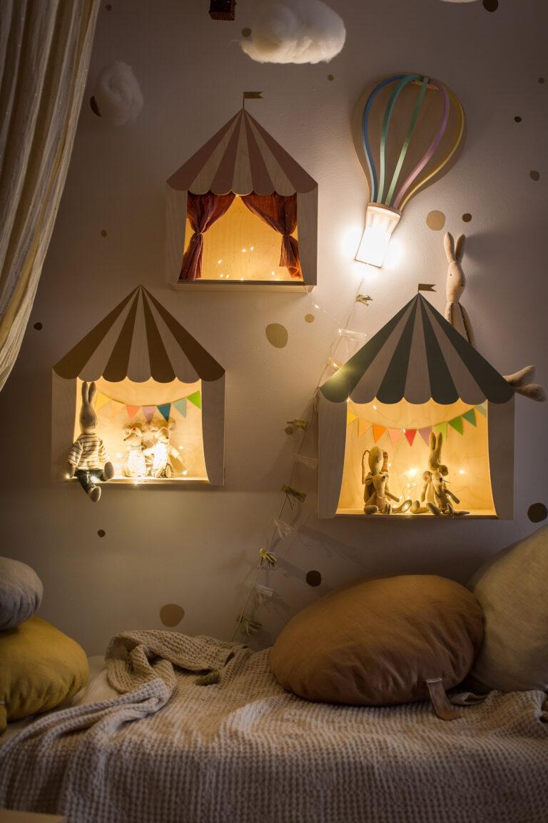 circus shelves by night Kinderzimmer